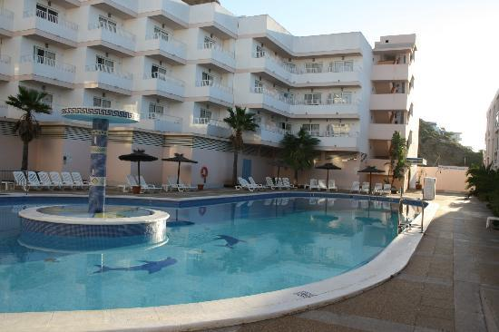 Panoramic Apartments: Salt water swimming pool