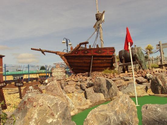 Smugglers Cove Adventure Golf: smugglers cove barry island