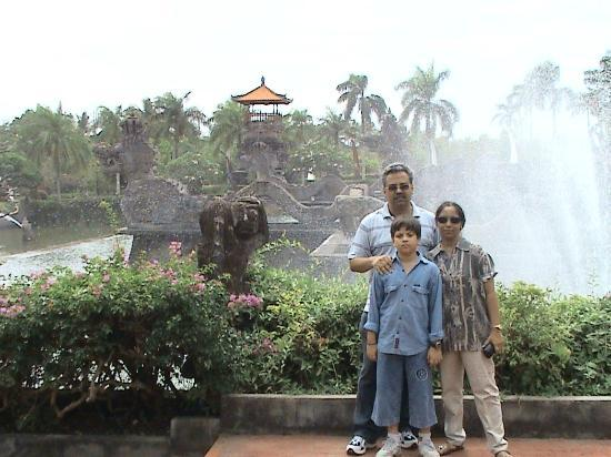 Ayodya Resort Bali: The lawns