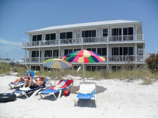 Mainsail Beach Inn: just beautifull ,stunning hotel and beach