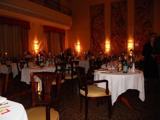Hotel Salus: sala da pranzo: cena delle candele