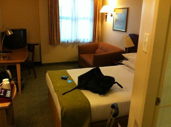 StayEasy Century City: typical room
