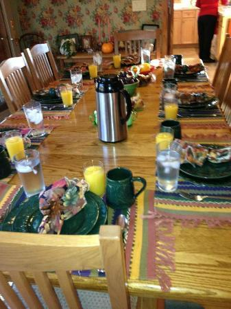 Blue River, WI: Breakfast table