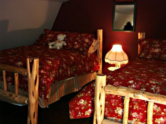 Der Stall Bed and Breakfast Barn: The hayloft has two full-size beds.