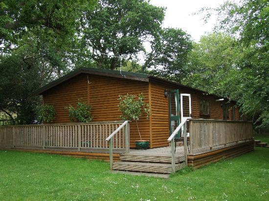 Chycara House: Lake Lodge