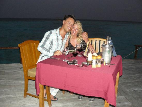 Banyan Tree Vabbinfaru: Romantic private dinner with my wife