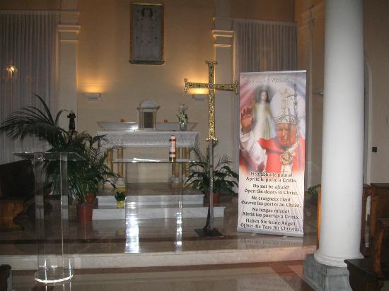 Palazzo Galletti Abbiosi: little church at the ground floor
