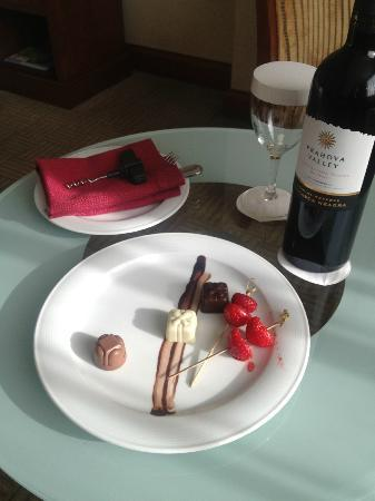 Athenee Palace Hilton Bucharest: My welcome to the room
