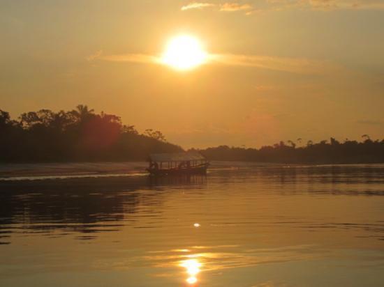 San Pedro Lodge: Sunset on the River