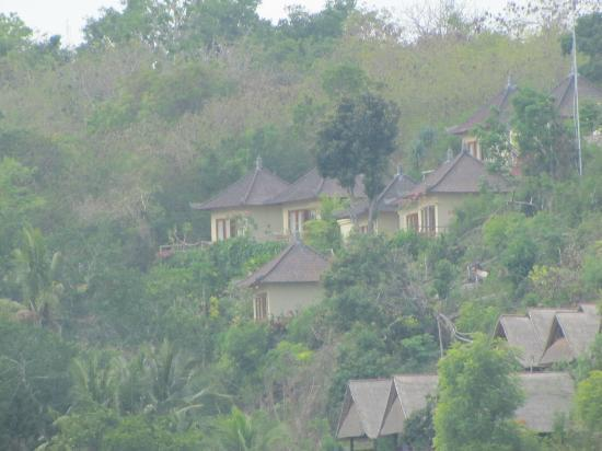 Lembongan Cliff Villas: the villas
