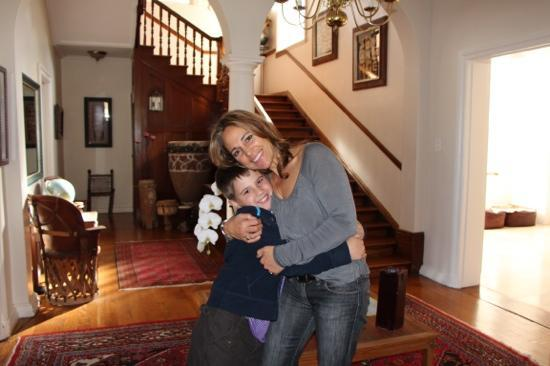 Rhonda's Manor Guest House: my son with perfect hostess Rhonda