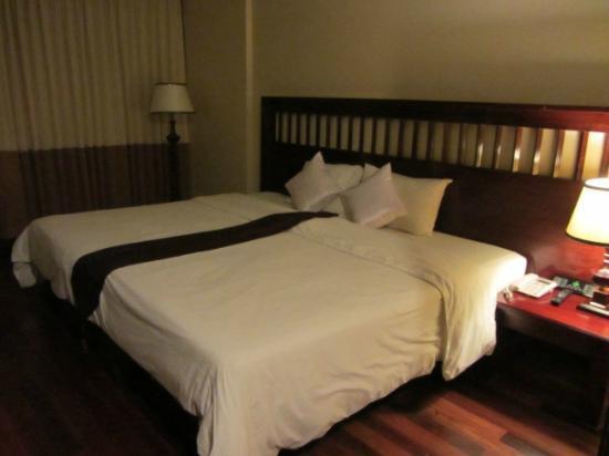 Royal Empire Hotel: camere spaziose e ben arredate