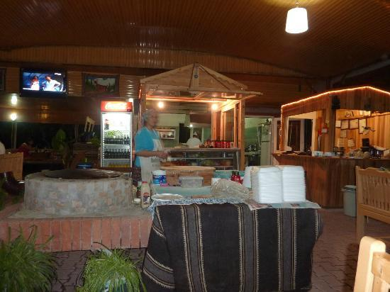 Ceylan Restaurant & Cafe: La salle