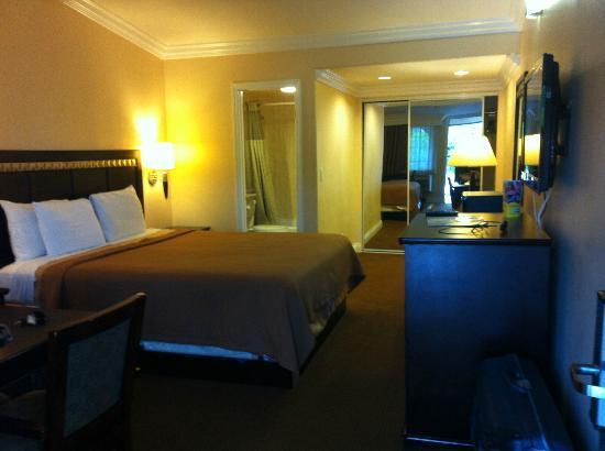 Rodeway Inn Near Legoland: Nette ruime kamers en schoon