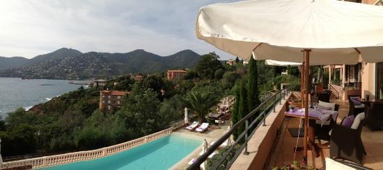 Restaurant L'Or Bleu : la vue de la terrasse du restaurant