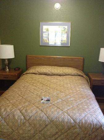 Extended Stay America - Greenville - Haywood Mall: Deluxe Suite Bed