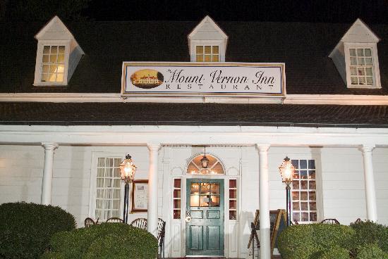 Mount Vernon Inn Restaurant: The Front Porch of the Inn