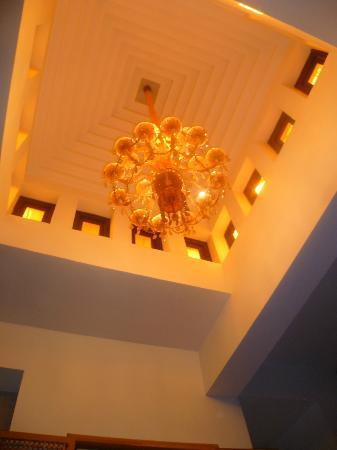 Riad Trois Cours: bedroom ceiling