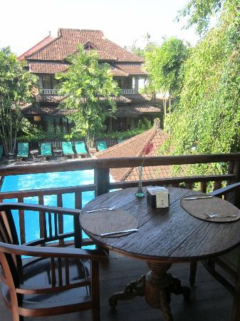 Hotel Puri Bambu : View from restaurant/breakfast room