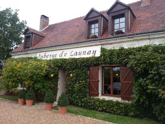 Auberge de Launay: Front of hotel