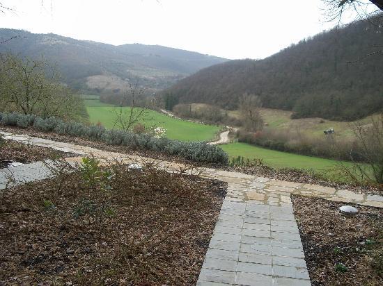 Slow Life Umbria - Relais de charme : View from room door way