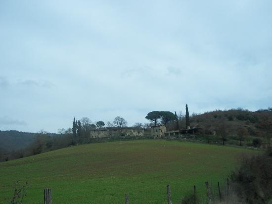 Slow Life Umbria - Relais de charme : view from road looking up