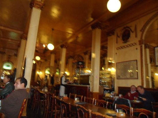 Interior of La Mort Subite