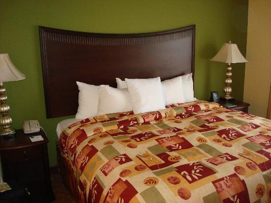 Homewood Suites Shreveport: Bedroom