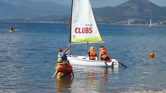 Neilson Vounaki Beachclub: Kids Club in Pico Dinghies