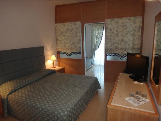 Mitsis Norida Beach Hotel: Room