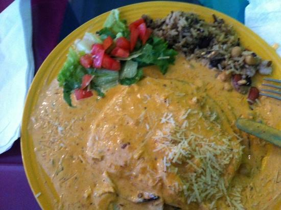 La Tierra Cafe: enchiladas con crema chipotle, yumy