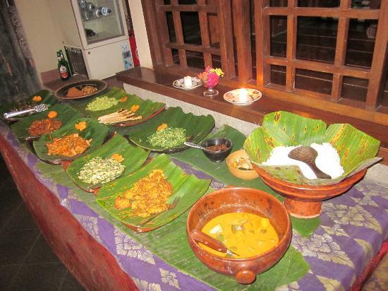 Rumah Roda: Balinese Buffet!