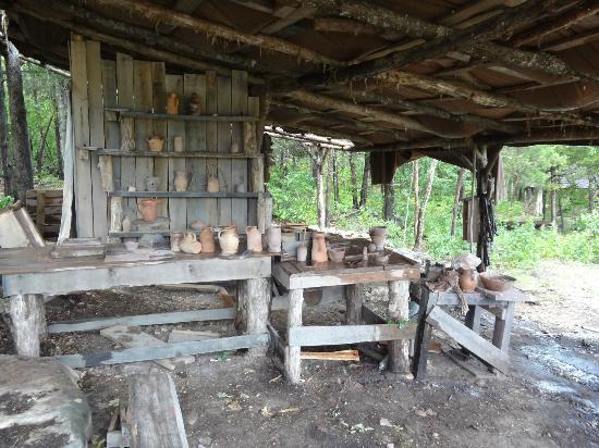 Ozark Medieval Fortress: How to make pottery.