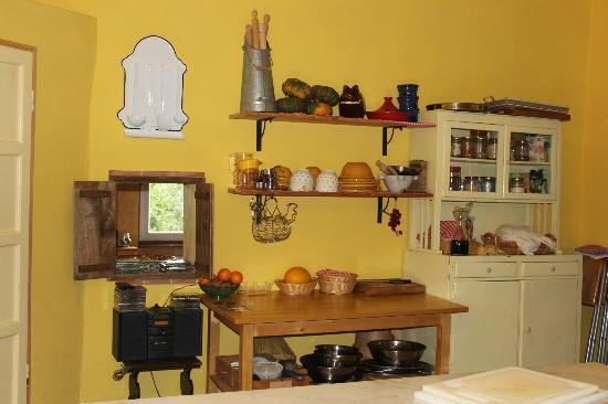 Tasty Tuscany: Kitchen