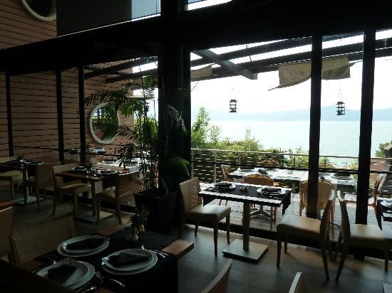 Restaurante Valle Di Garda: Terraza.