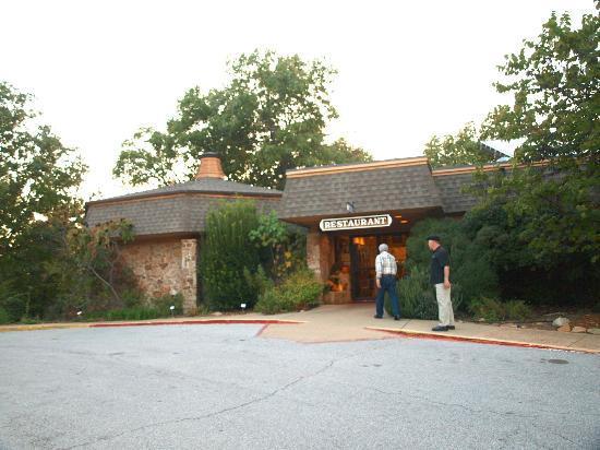 The Skillet Restaurant: Restaurant Entrance