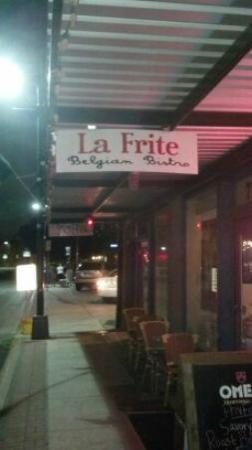 La Frite Belgian Bistro : entrance
