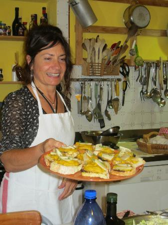 Tasty Tuscany Food Immersion Cooking Vacations: Pat whipped up some bruschetta in no time