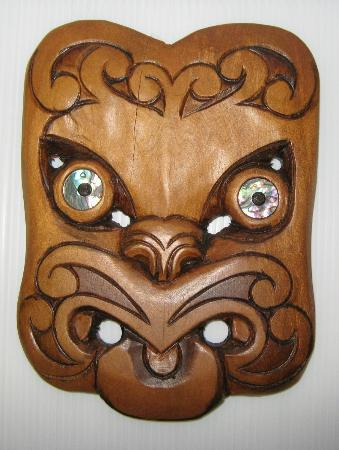 The Elephant House: Hand carved Maori mask