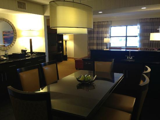 Minneapolis Marriott Northwest: Presidential Suite - AWESOME!