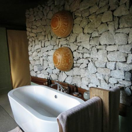 andBeyond Ngala Tented Camp : bath