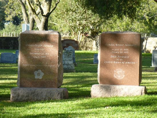 Lyndon B. Johnson National Historical Park: Lyndon B. Johnson / Lady Bird Johnson Tombstones