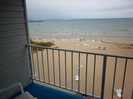 Ramada Mackinaw City Waterfront : View from balcony beach is rocky