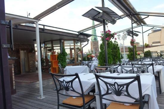 Gutenbergs Terase Restaurant: Panoramica ristorante all'aperto