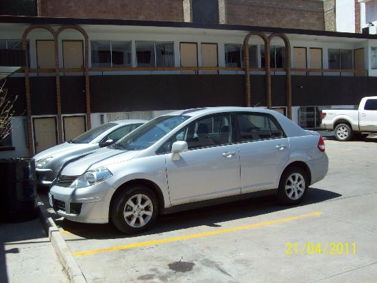 Zacatecas Courts Motel : Estacionamiento