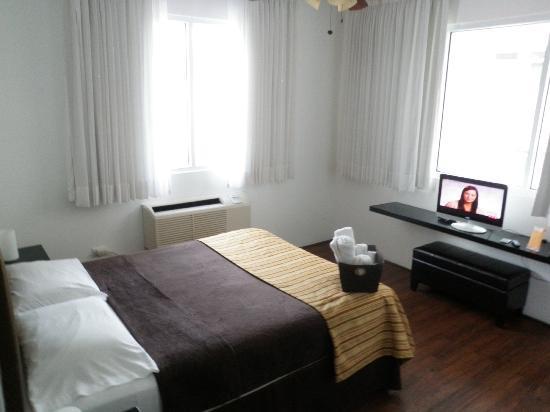 كاسا كوندادو هوتل: We had room 14 which had two windows. 