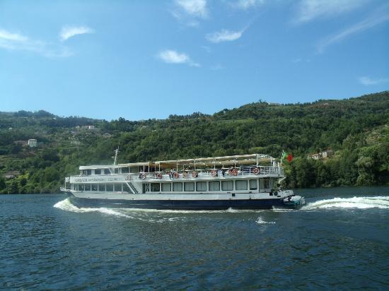 Hotel Vice Rei: passeios vendido no hotel mini cruzeiro rio regua linda paisagem...
