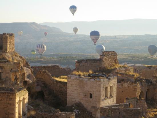 Takaev Cave Hotel: uitzicht vanuit je hotelkamer