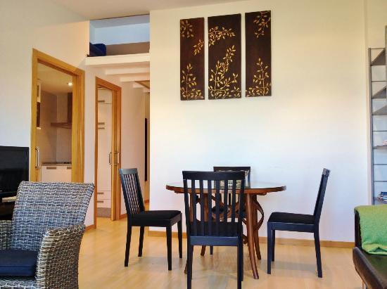 Puerto Basella Apartamentos: SALÓN 3A