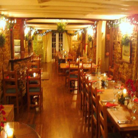 Vale of the White Horse Inn: The Main Dinning Room